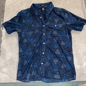 Blue volcom pattern button up